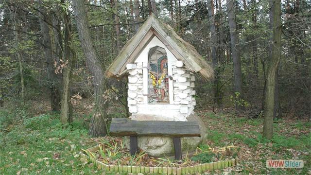 Kapliczka w Gołąbku